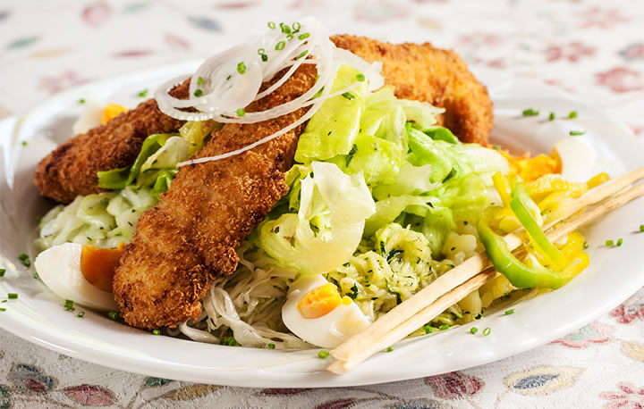 Salat mit Putenstreifen, unser Fitnessteller